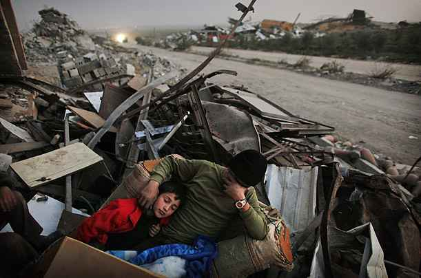 gaza_digs_out_02