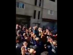 Damascus: Al-Tall residents protest against the war and call for peace