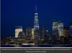 World Trade Center illuminata per adorare Moloch, il dio che divora i bambini