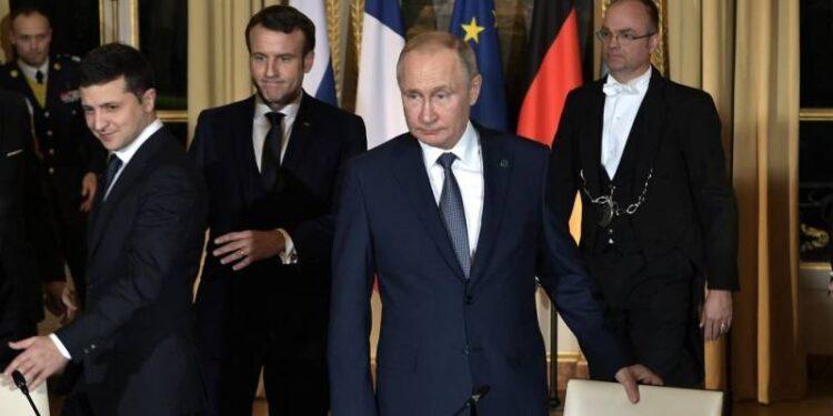 Non c'è limite alla idiozia: dagli USA soldi e armi letali all' Ucraina, per non farla desistere al confronto con la Russia 1