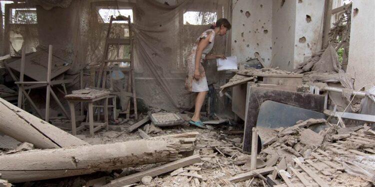 Donbass 2015 casa bombardata dalle forze ucraine
