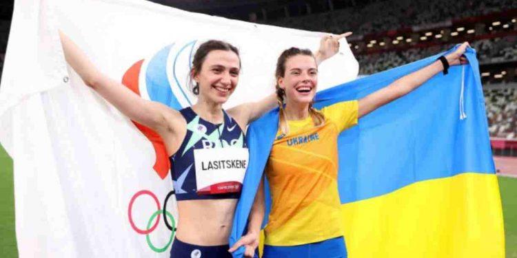 Atleta ucraina e russa si abbracciano alle olimpiadi, Kiev non gradisce e accusa di 'fraternizzare con il nemico'... 1